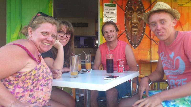 Pause boisson à Grand Bourg
