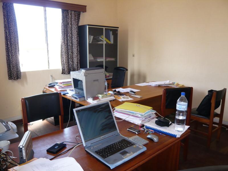 notre bureau bien rangé