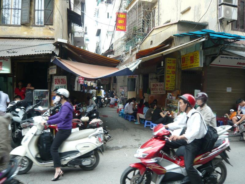 Rue très étroite en vieille ville