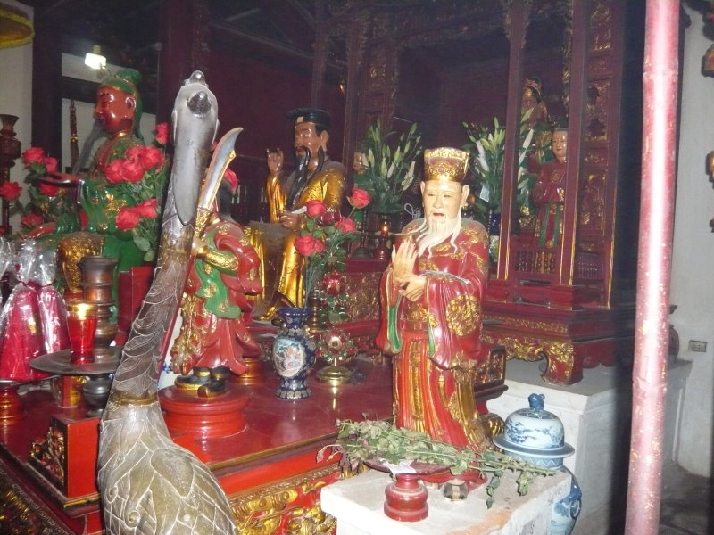 Au temple Ngoc Son