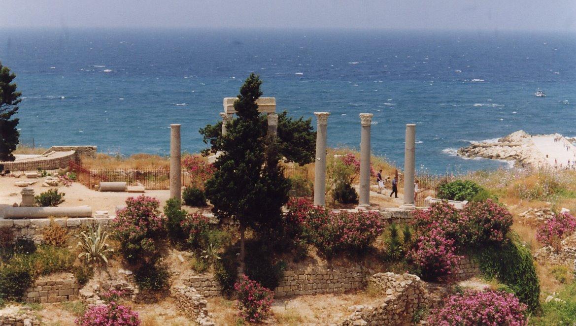 Colonnades romaines à Byblos